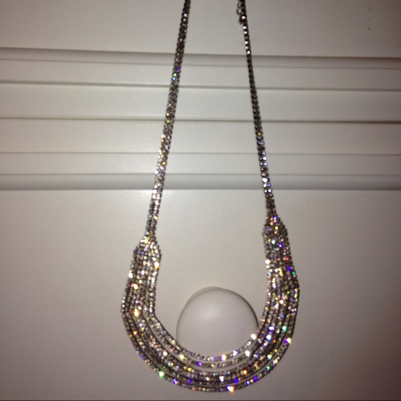 Sparkly dangling necklace